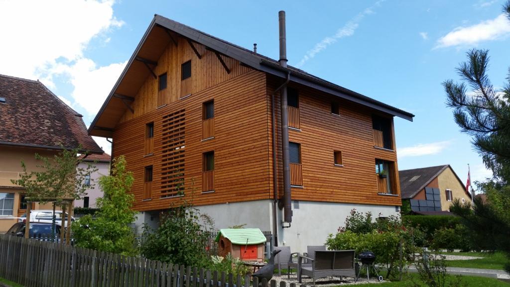 Grange communale, 4 appartements avec jardins privatifs